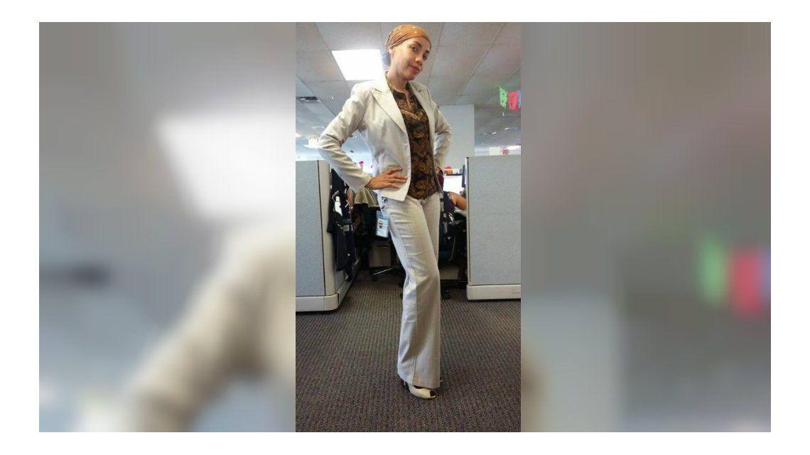 La criticaron en el trabajo por su vestimenta y se vengó de una manera creativa