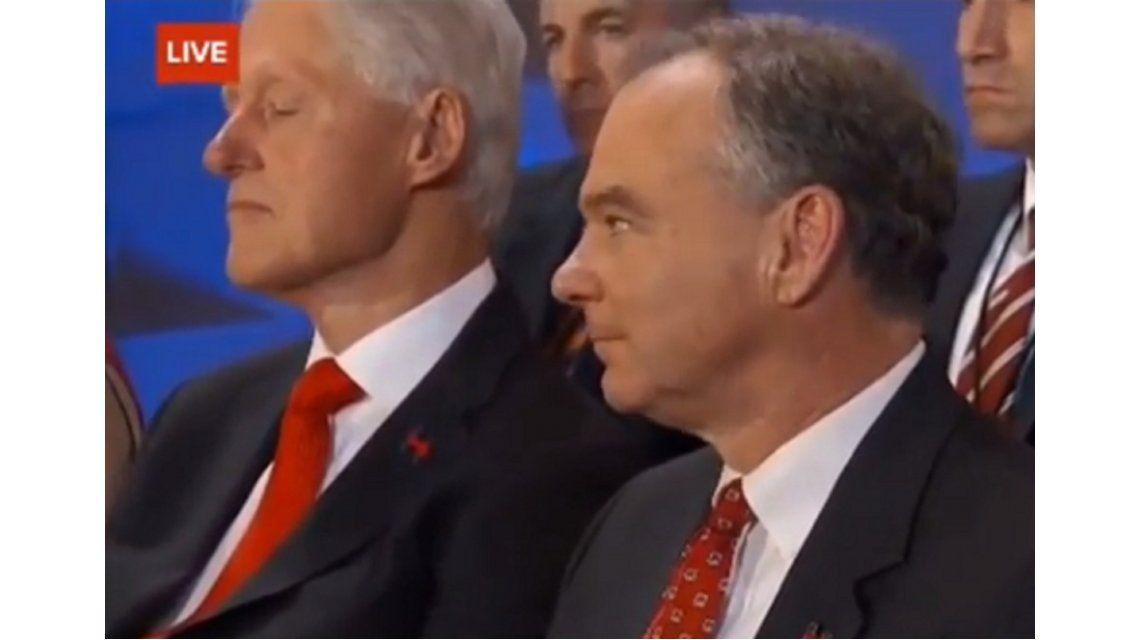 Trump se burló de Bill Clinton por quedarse dormido durante el discurso de su esposa