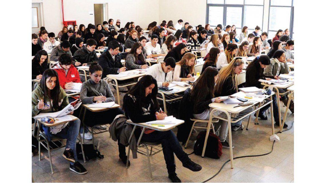 Plantean un sistema universitario no tan rígido para favorecer la retención de estudiantes