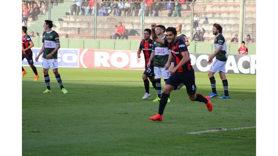 Con un golazo de Cauteruccio y dos Blandi, San Lorenzo venció a Unión de Sunchales
