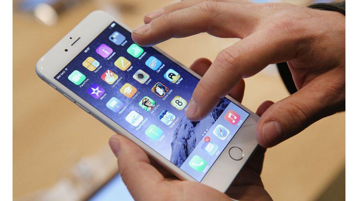 Caen los ingresos de Apple un 27% por la caída en las ventas del iPhone