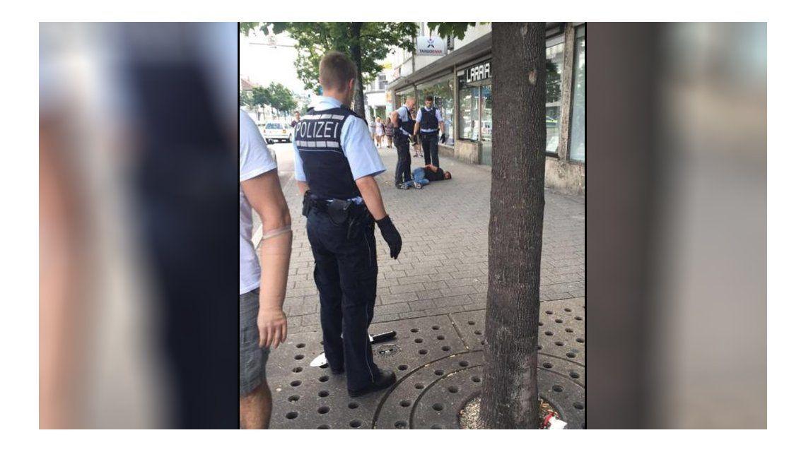 Alemania: un refugiado sirio mató a una mujer con un machete en Reutlingen