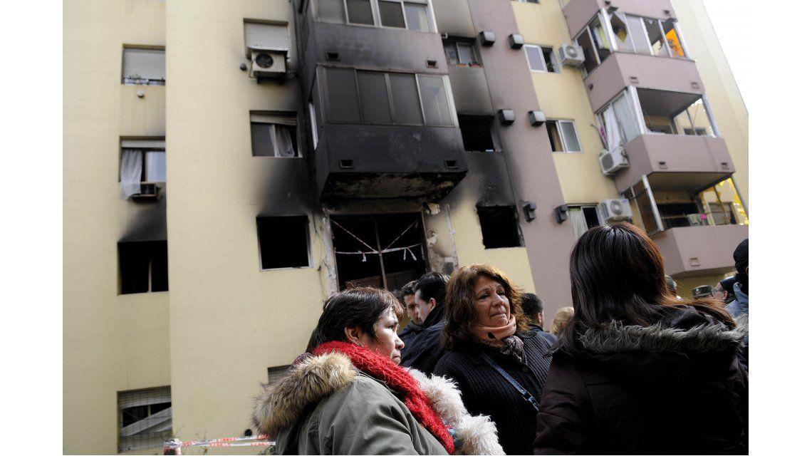Explosión e incendio en Bajo Flores: hay 17 heridos, tres están graves