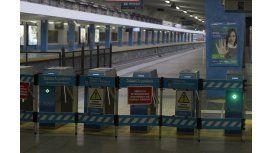 Ferroviarios amenazan con paros de 72 horas o más