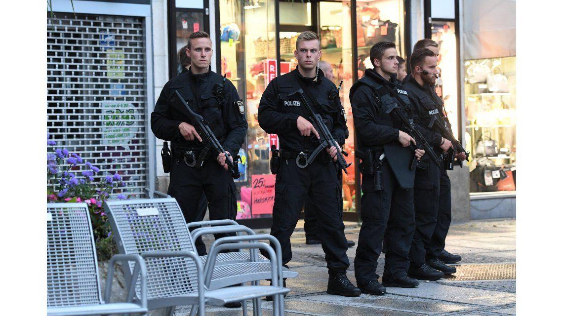 Tiroteo en un shopping de Munich: 10 muertos, entre ellos el tirador
