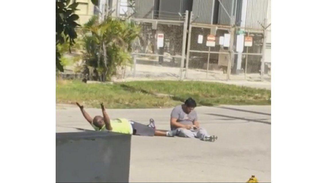 VIDEO: Policía de Estados Unidos le disparó al cuidador de un chico autista