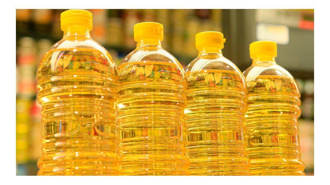Alivio pasajero al bolsillo: acuerdan no subir el aceite, sólo por un mes