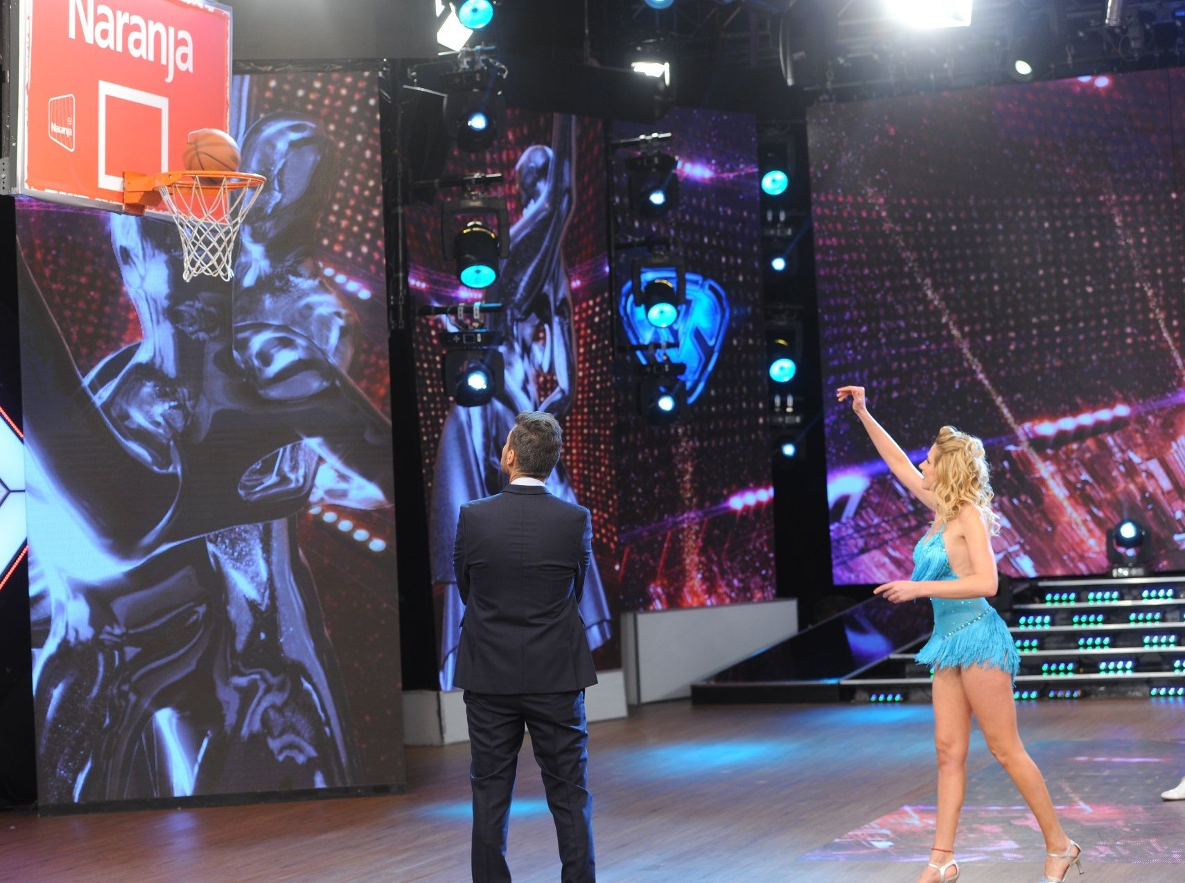 Alina Moine jugó muy bien al básquet, ¡pero se perdió en la salsa  de tres!
