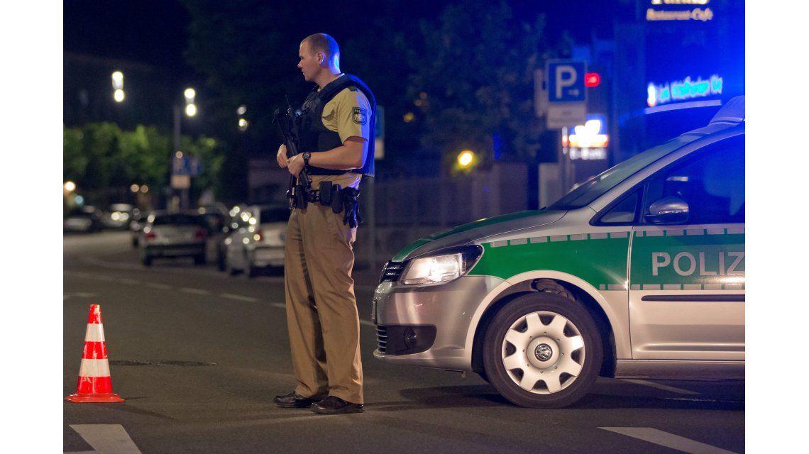 Un hombre se inmoló frente a un restaurante de Alemania y provocó 10 heridos