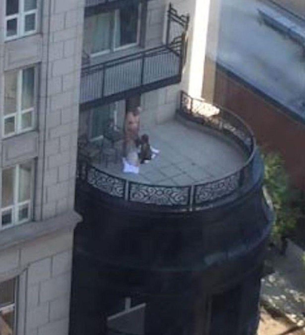 imagenes de hombres desnudos en el balcon eroticos en panama