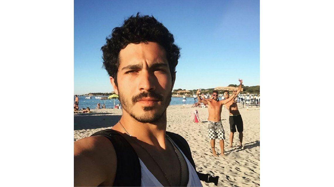 Mirá la fallida selfie del Chino Darín en Italia