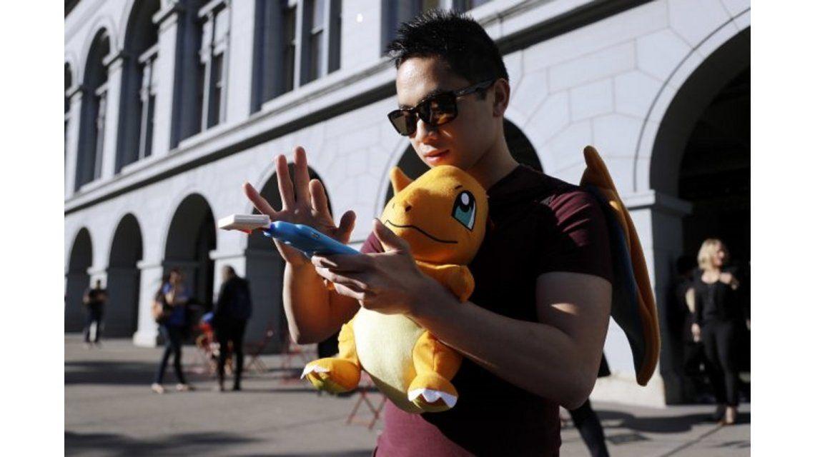 Mataron a balazos a un adolescente mientras jugaba Pokémon Go