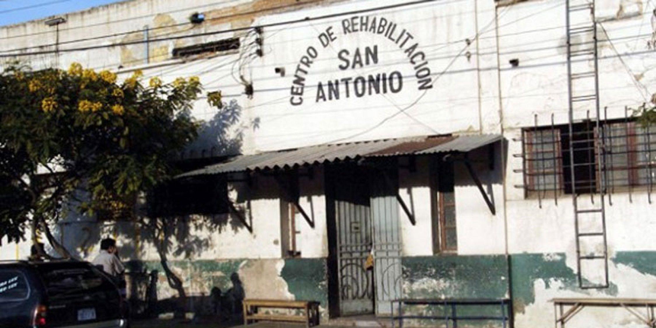 Dos argentinos y un chileno se fugaron de una cárcel boliviana