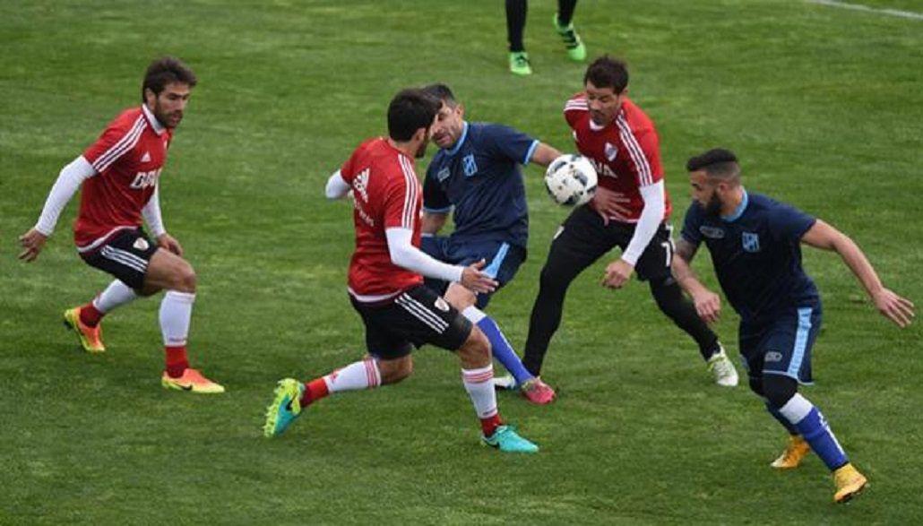 Con goles de Pisculichi y Andrade, River venció a San Telmo en un amistoso