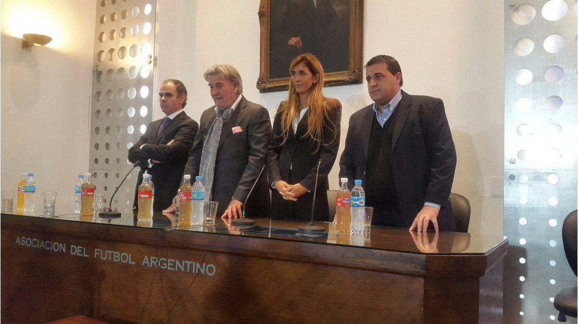 Con Armando Pérez como presidente, se presentó el Comité de Regularización de FIFA