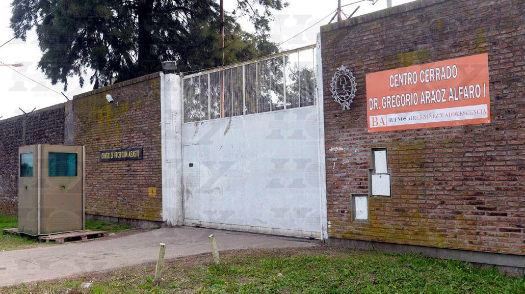 Jóvenes armados liberaron a dos internos de un instituto de menores