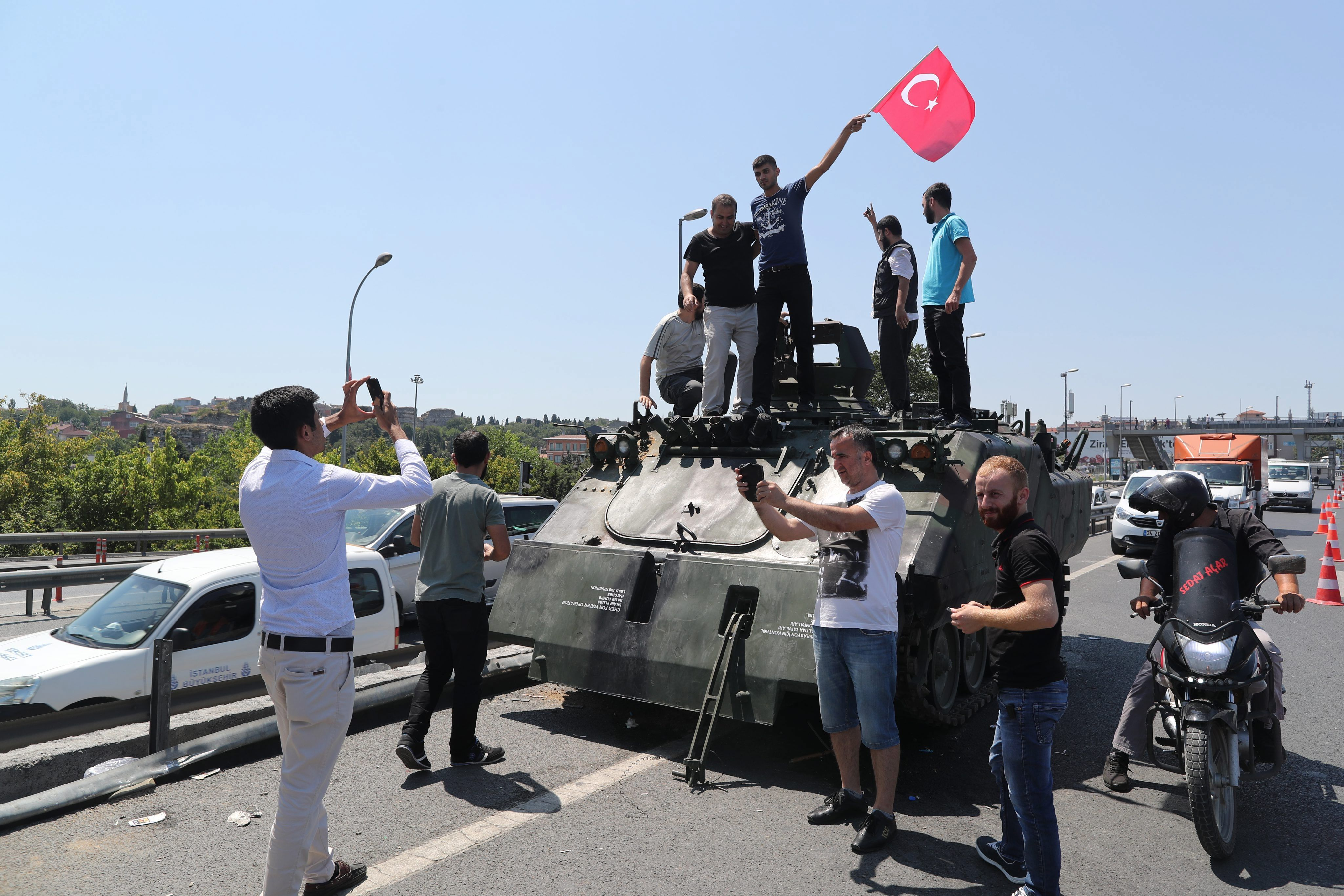 Ascienden a 265 los muertos por el intento de golpe de Estado en Turquía
