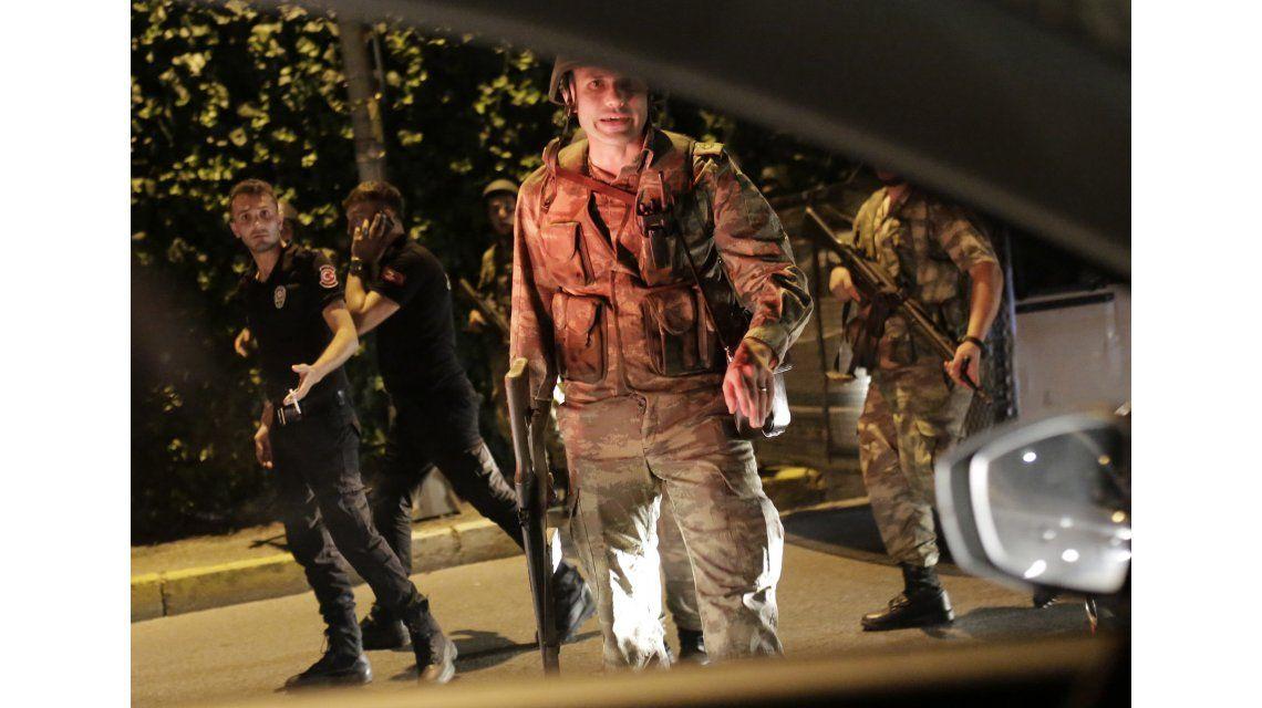 Golpe militar en Turquía: el Ejército anunció que tomó el poder