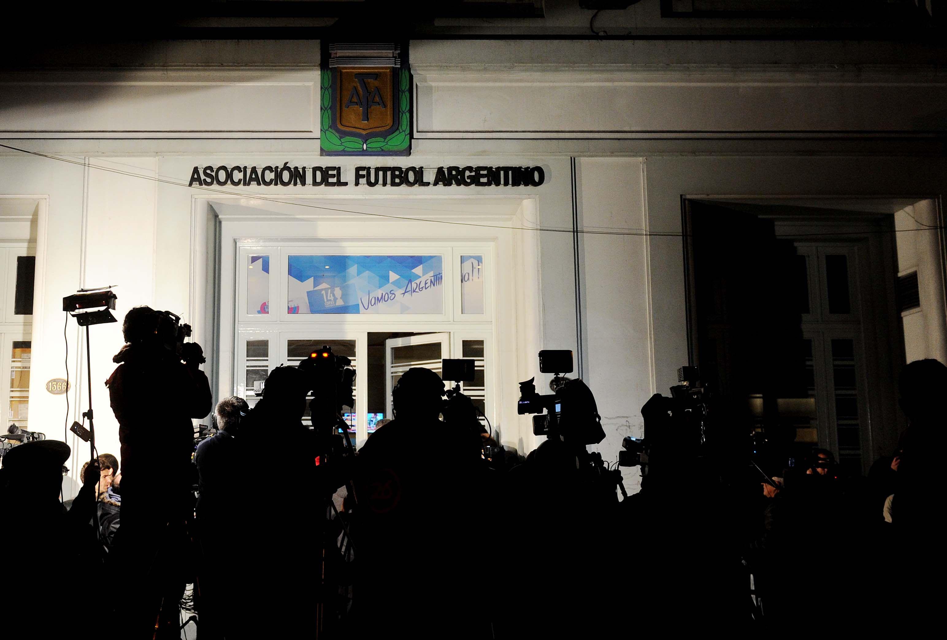 Martes clave para saber si comienza o no el fútbol argentino
