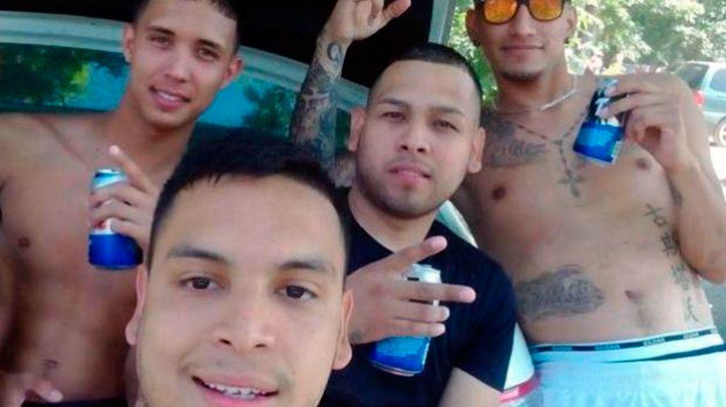 VIDEO: Estaban borrachos, volcaron con el auto y transmitieron todo por Facebook Live