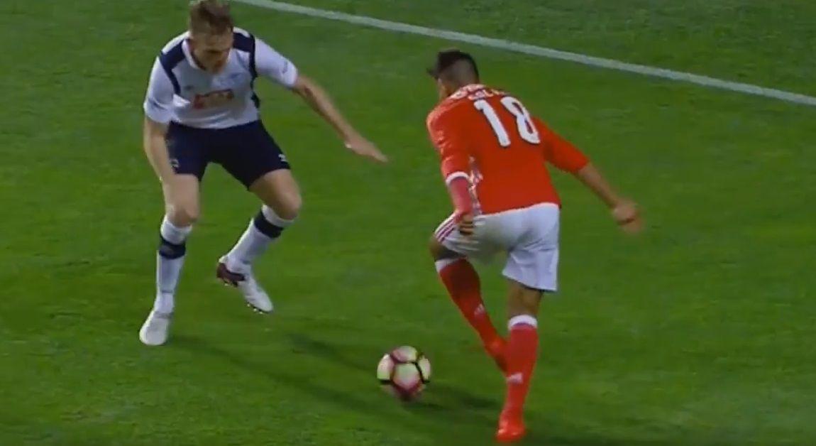 Para aplaudir de pie: mirá lo que inventó Salvio jugando para el Benfica