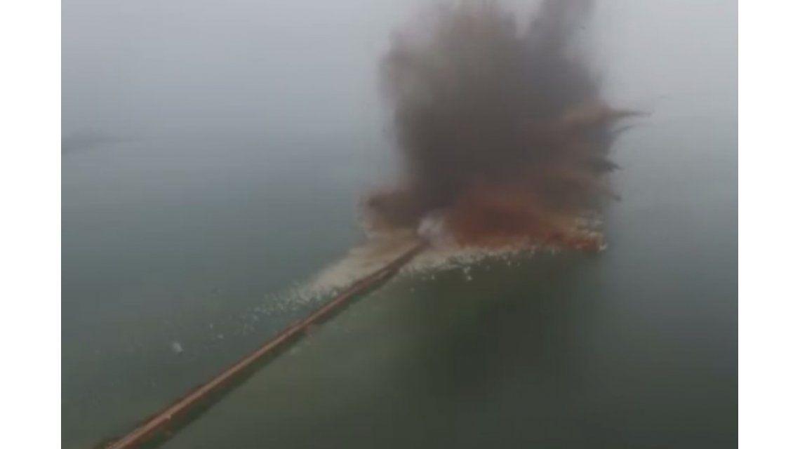 VIDEO: la explosiva solución china al agua acumulada por las inundaciones