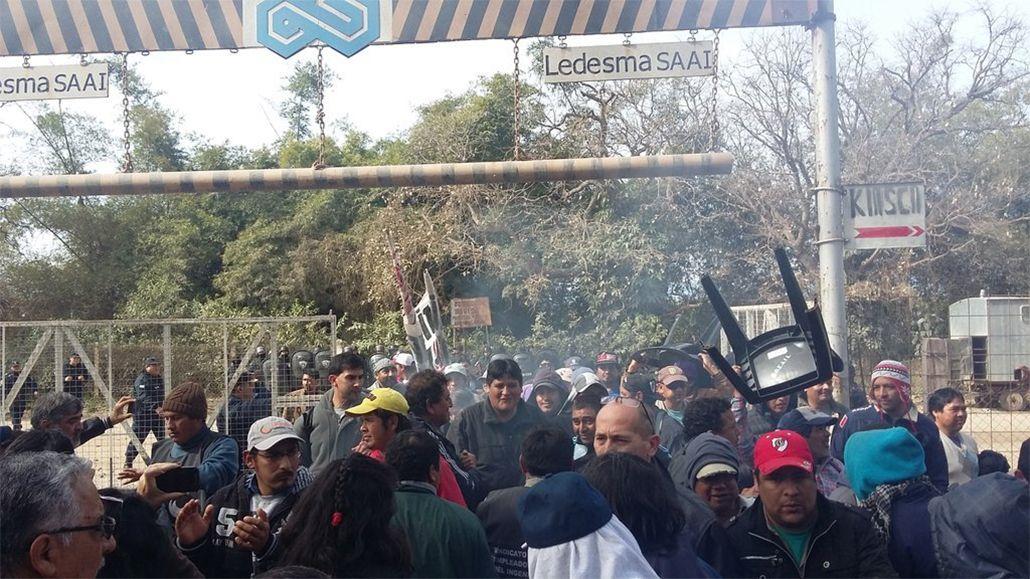 Jujuy: Feroz represión policial a trabajadores del ingenio Ledesma