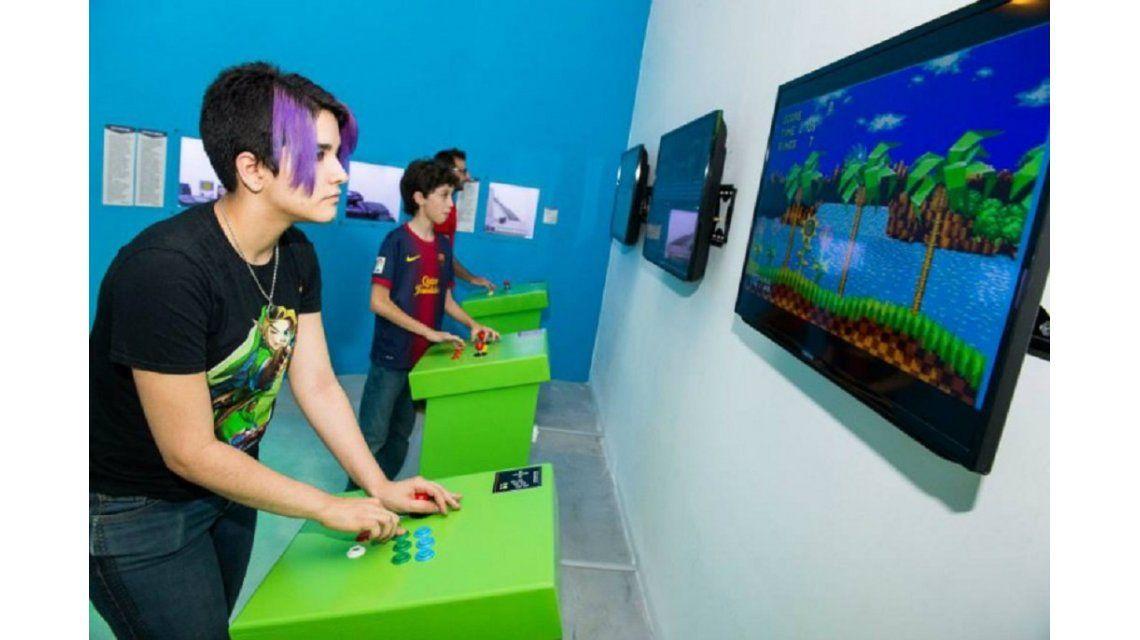 Play The Game: Recargado: talleres para familias y espectáculos gratuitos