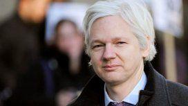 Assange asegura que Google y Facebook reciben más información que la Inteligencia de EE.UU.