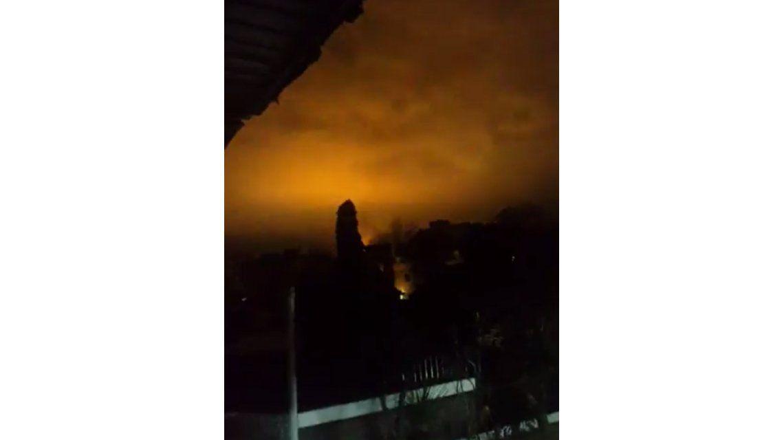 Preocupación en La Plata por las llamas en una planta de YPF