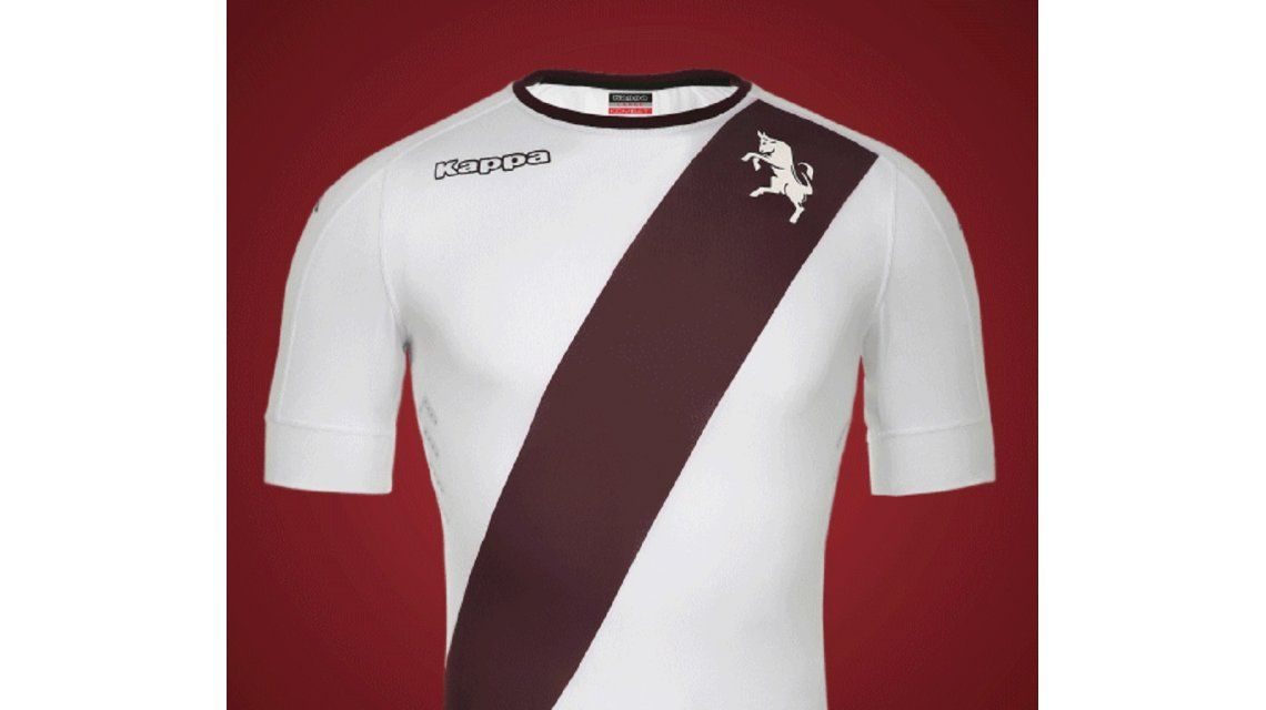 Un equipo italiano homenajeó a River con su camiseta suplente