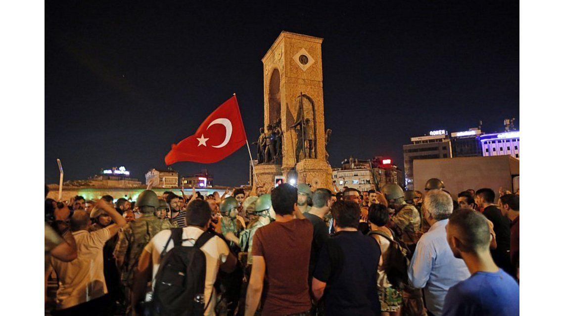 Así se vivió por dentro el salvaje levantamiento militar en Turquía