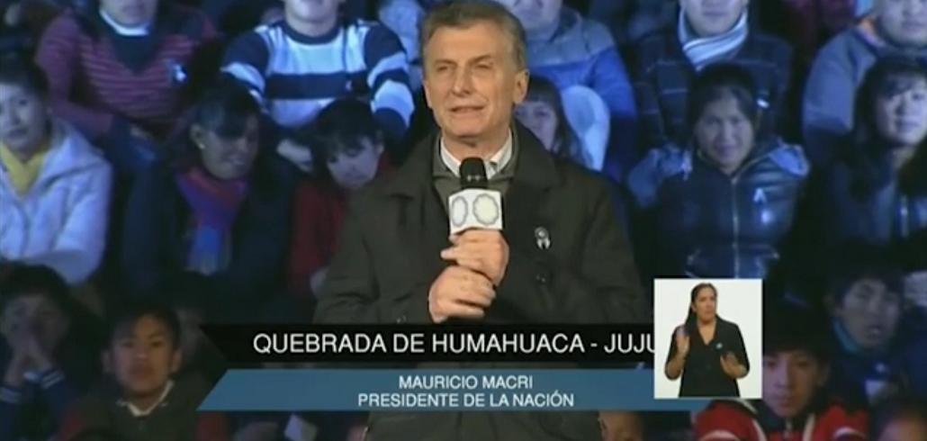 En pleno festejo del Bicentenario, Mauricio Macri justificó el tarifazo