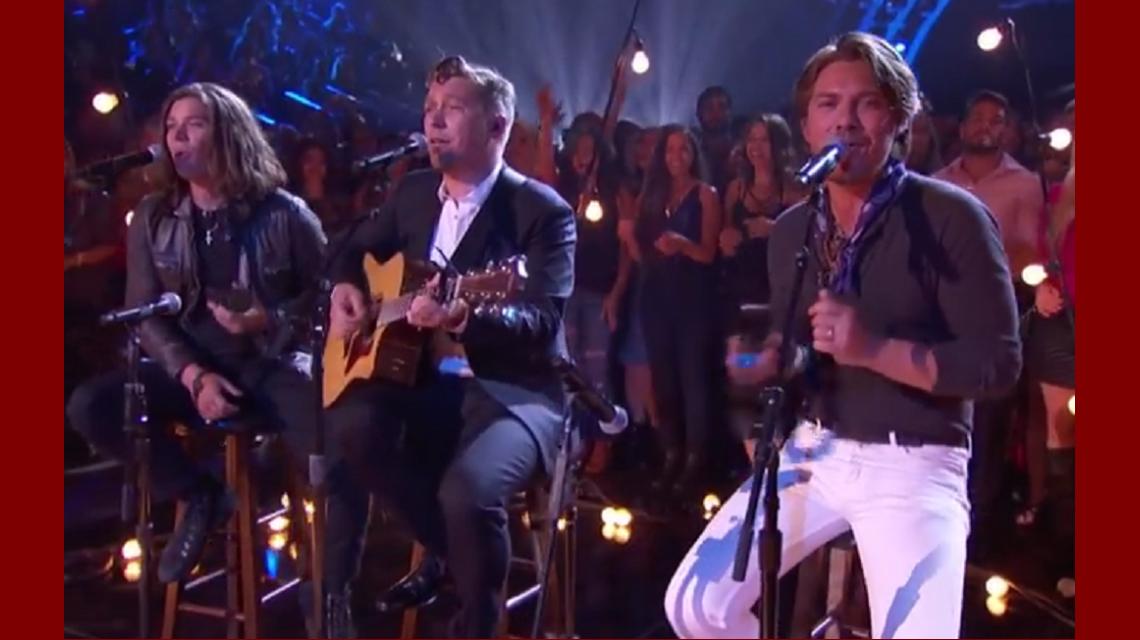 VIDEO: 20 años después, los hermanos Hanson se reencontraron y cantaron MMMBop