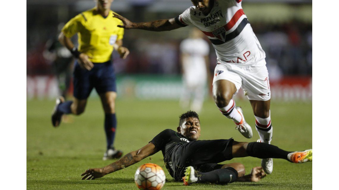 Atlético Nacional le ganó a Sao Paulo en Brasil y pone un pie en la final