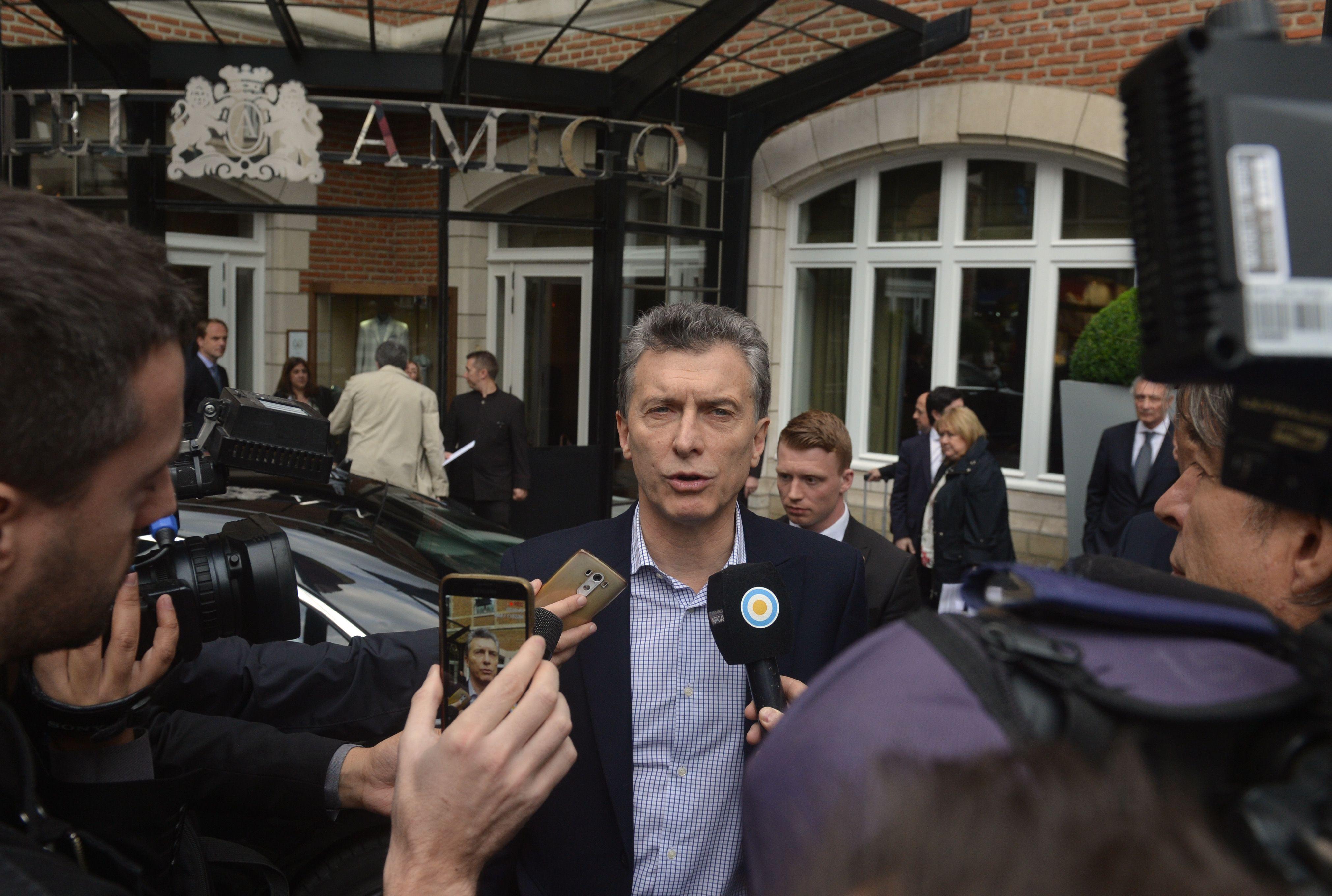 Desde Bruselas, Macri sostuvo que mantiene una relación seria con el Papa