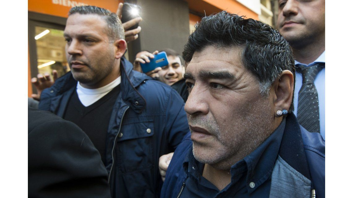 Maradona en Viamonte: Que dejen la AFA limpita, hay que hacer una liga de 20