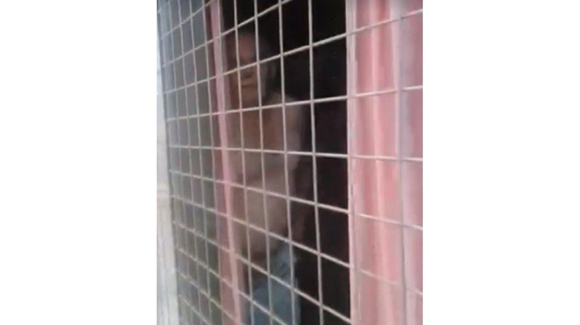 VIDEO: Escrachan por las redes a un hombre que hacía exhibicionismo