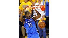 Bombazo en la NBA: una estrella jugará en los Warriors de Curry