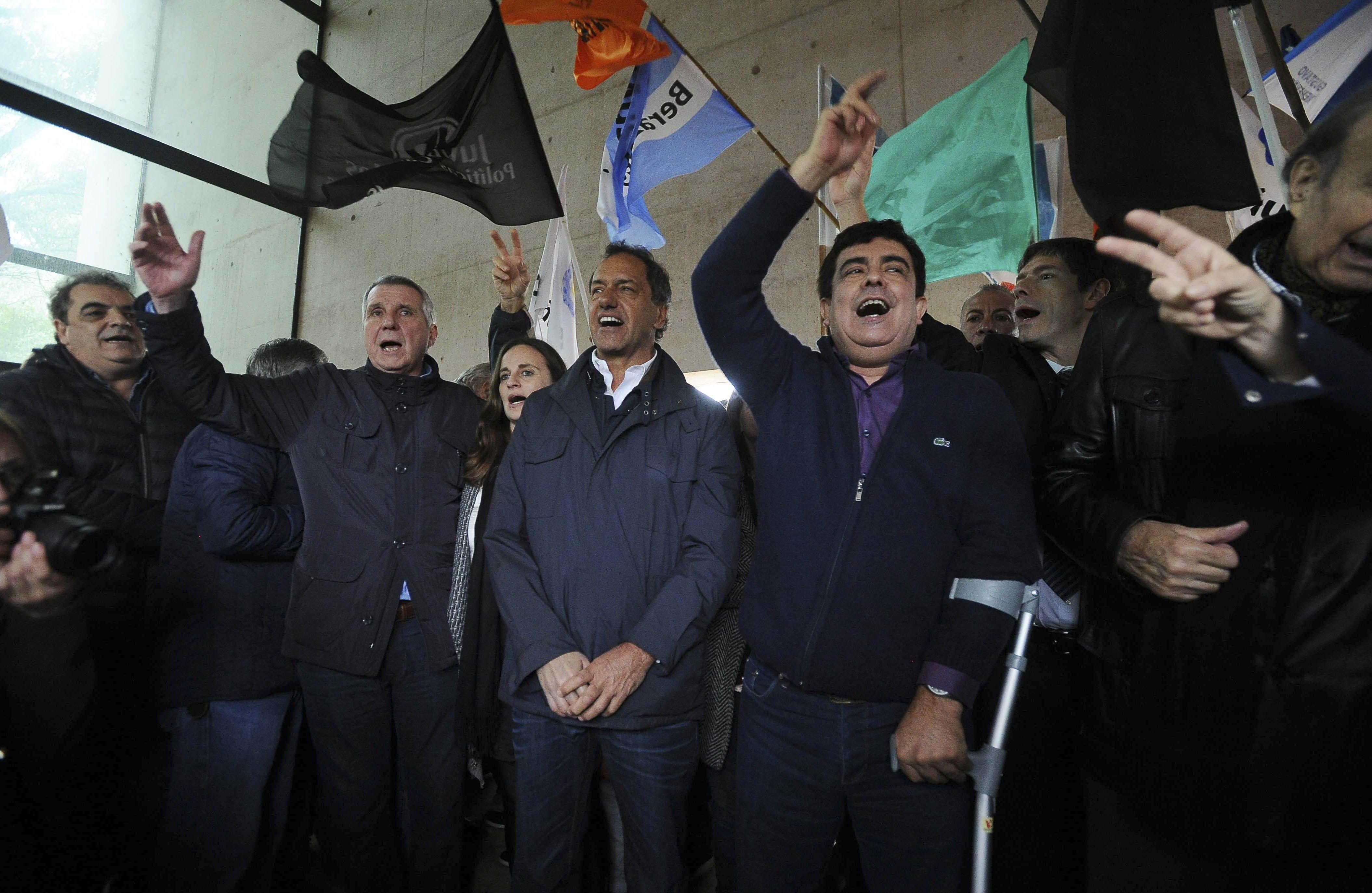 El peronismo dio señal de diálogo frente al mausoleo de su líder