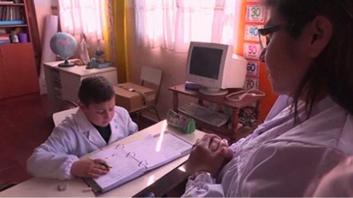 Una escuela rural se quedó con un solo alumno y piden ayuda para que no sea cerrada