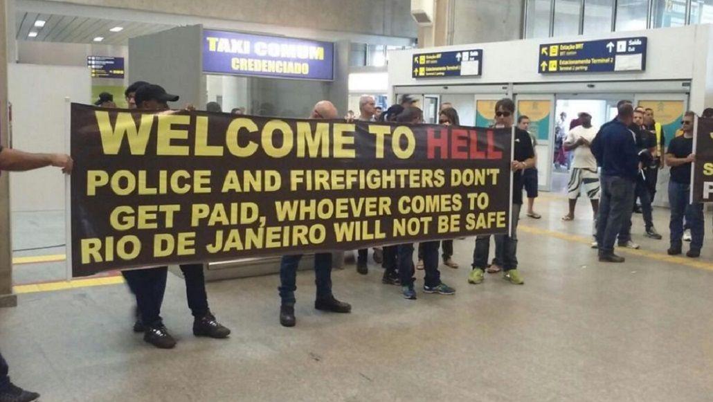 Bienvenidos al infierno: así recibe la policía de Rio de Janeiro a los turistas