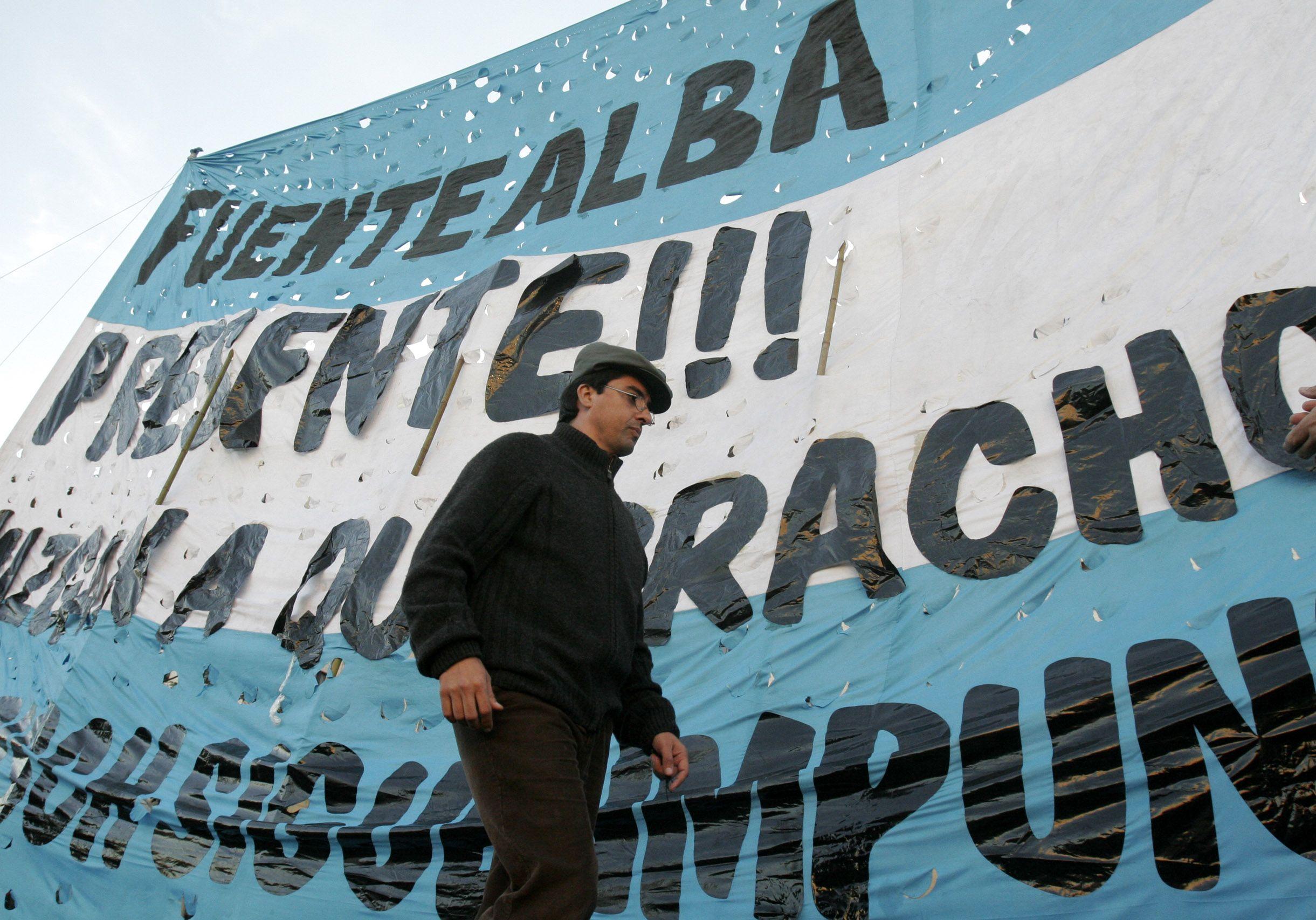 El líder de Quebracho advirtió que si algún juez se animara a detener a Cristina Kirchner podría parecer muerto