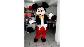Mickey Mouse acusado de abuso sexual