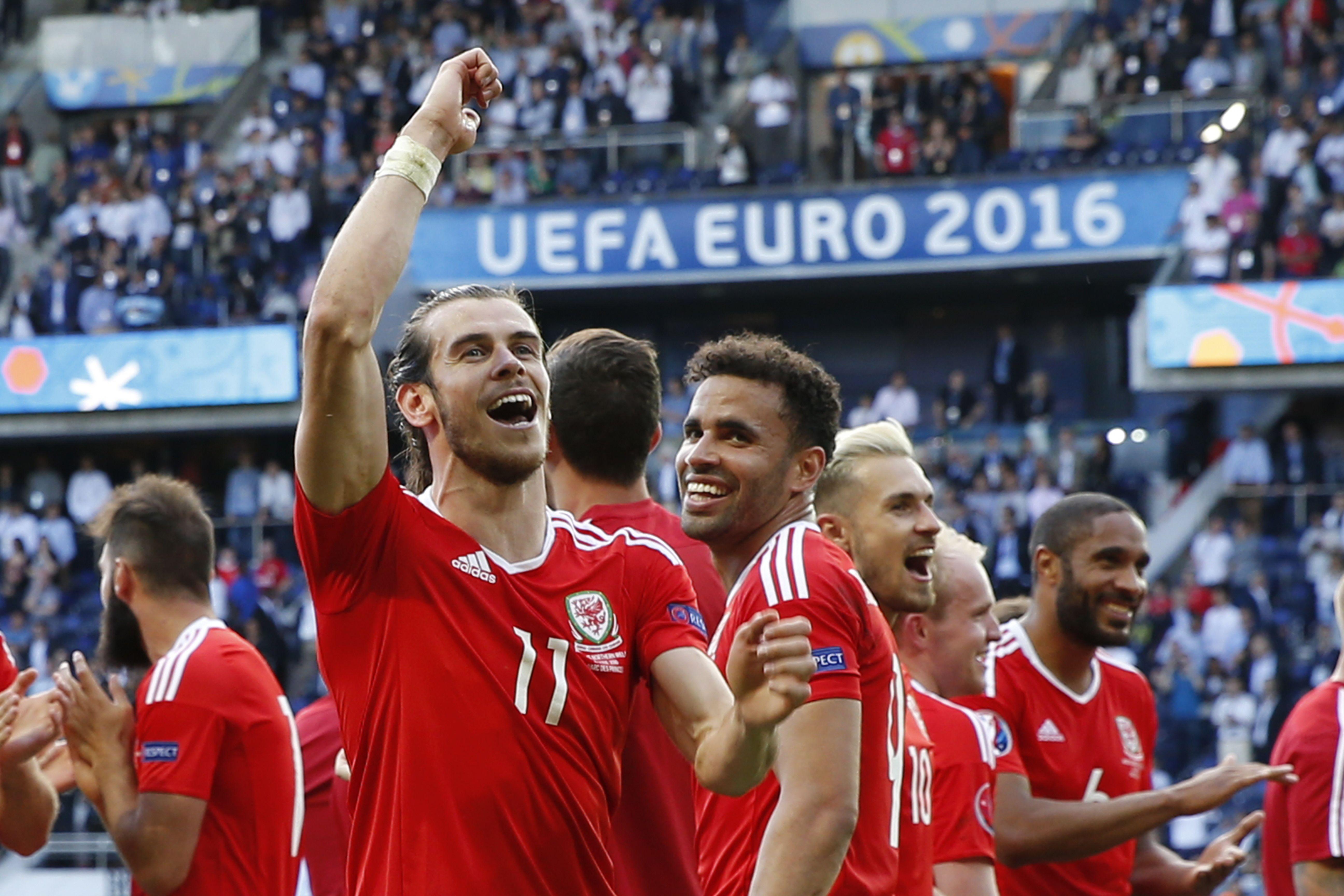 Enemigos íntimos: así celebraron los jugadores de Gales la eliminación de Inglaterra