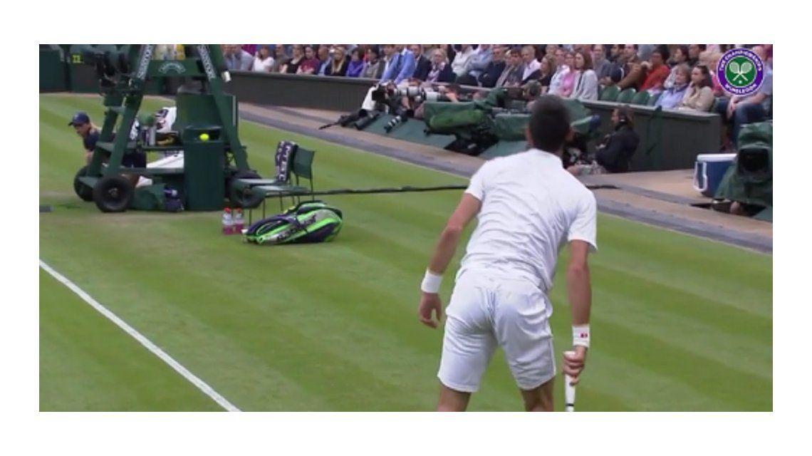 Djokovic derrocha magia hasta cuando pierde un punto: mirá el video