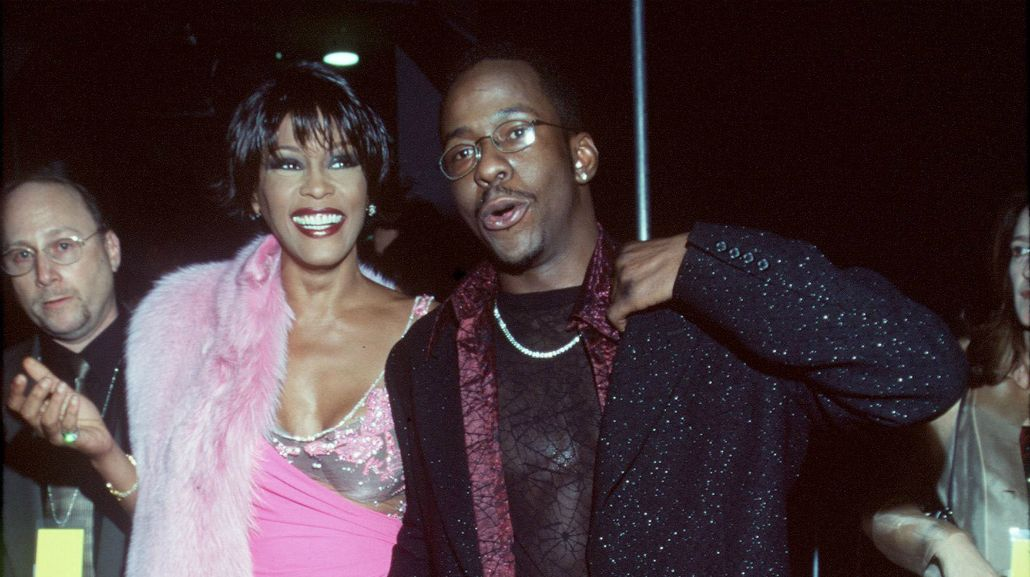 El ex de Whitney Houston reveló detalles sobre la drogadicción de la cantante