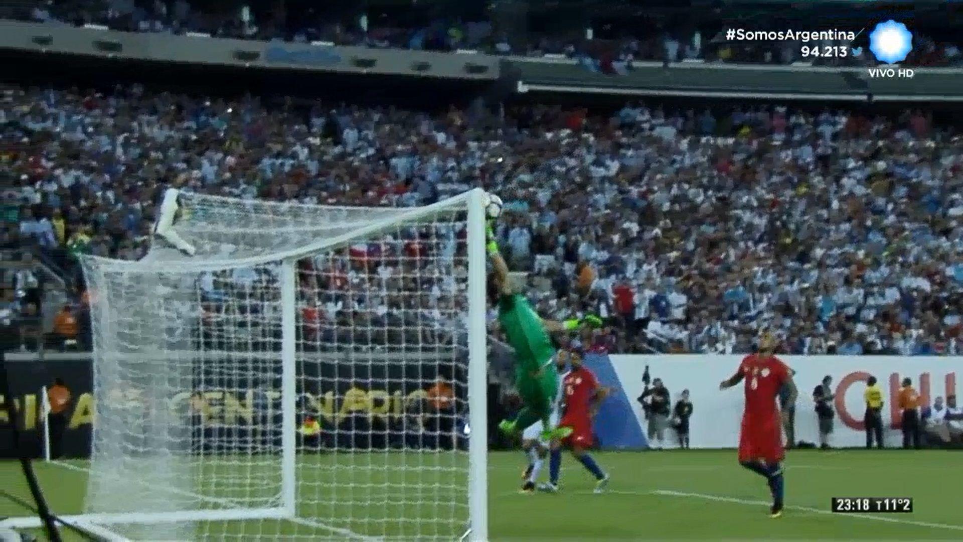 La atajada de la Copa: la estirada de Bravo que le ahogó el gol a Agüero