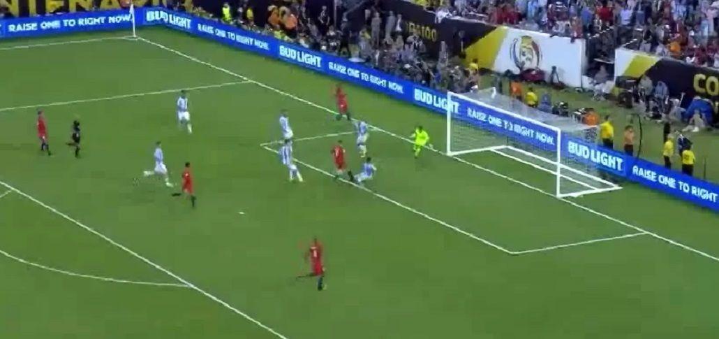 A lo Mascherano: la agónica salvada de Funes Mori que valió un gol