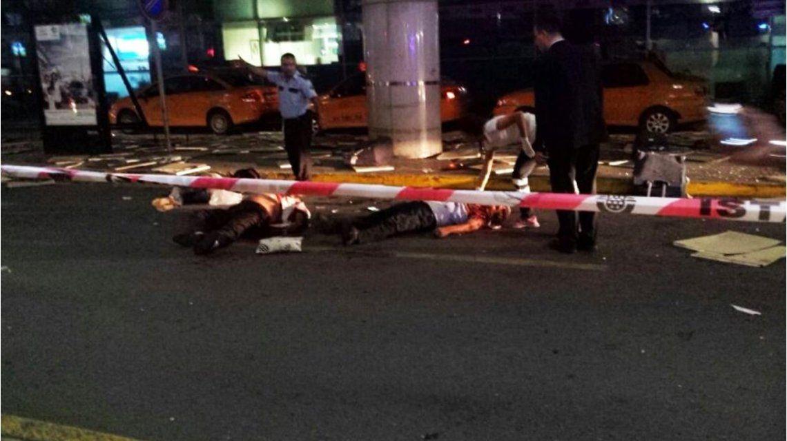 Mirá los videos del terror en el aeropuerto de Estambul tras el ataque suicida